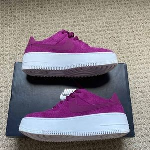Nike Wmns Air Force 1 Sage Low 'True Berry'